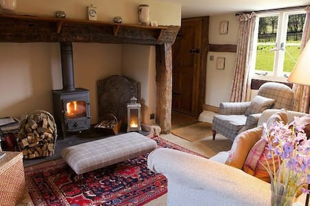 Field Cottage -  Elmley Castle, Pershore, Worcestershire