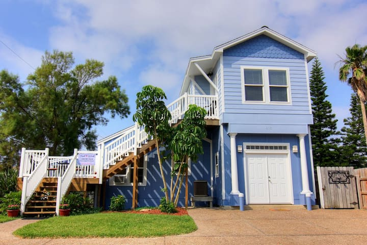 Cayman Cottage Vacation Home - Port Aransas - Dom