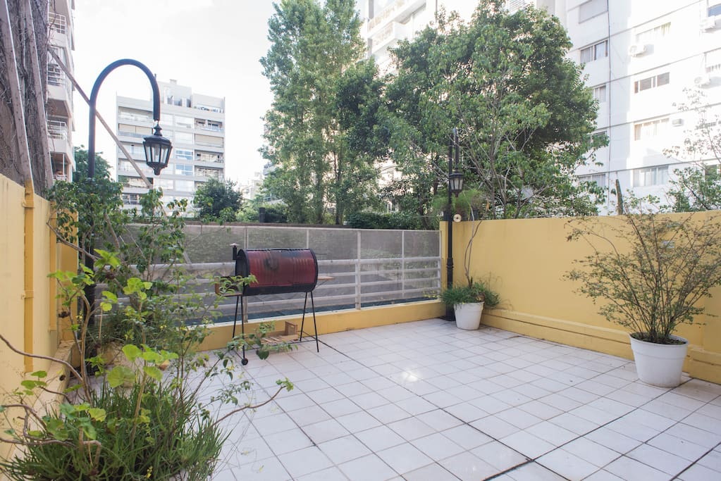 A huge Patio with grill exclusive use from this apartment.