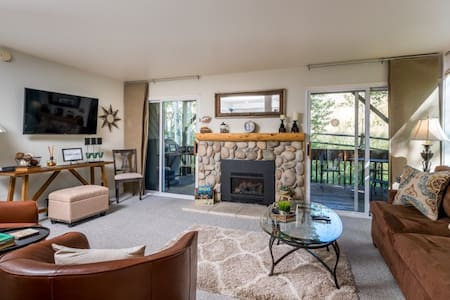 Remodeled Condo with Ideal location in Sun Valley!