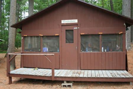 Summer Camp Cabin on a Lake: Thunderdome - Raymond - Kabin