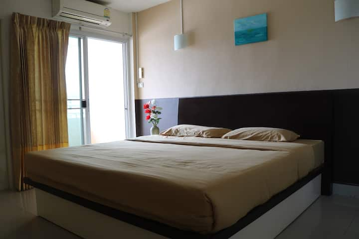 Nonthaburi Apartment getway from the City