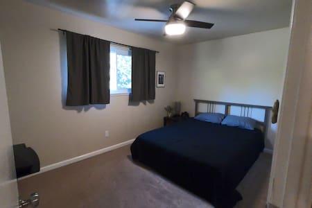 Room w/ Pool & Spa near Sac State & American River