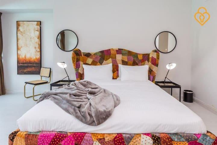Luxurious three bedroom villa on Dubai Fountain