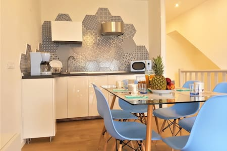 Sweet Honey Apartment: near the centre with pool