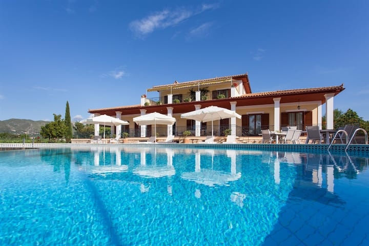 Aneli Twin Villas Zakynthos - sleeps up to 22 pers