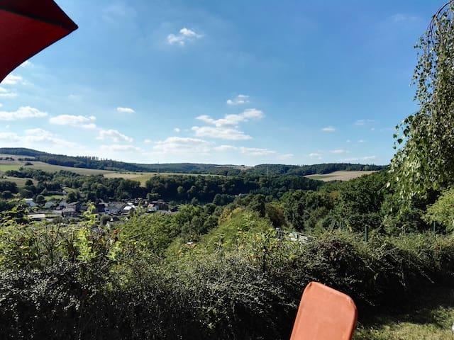 Gemütlich wohnen im Naturpark für Mensch und Tier - Grävenwiesbach - Daire