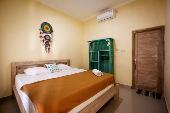 Private Ensuite 1 @ Canggu D16 High Speed Internet