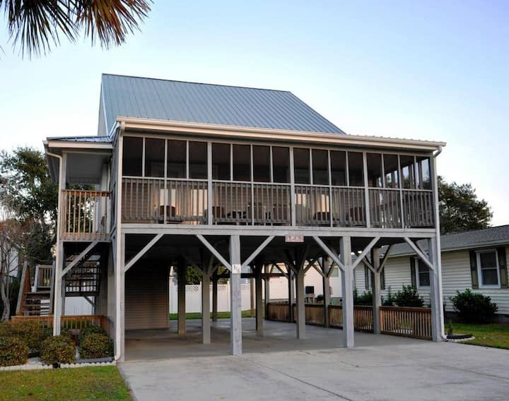 Cherry Grove  - 4 Bedroom, 2 Bathroom Home - Sleeps 8 - Tj`s