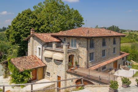 Agriturismo Wine&Relax - Camera con Terrazzo - Acqui Terme - B&B