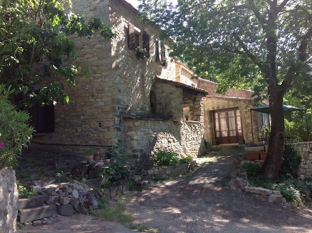Historisches Natursteinhaus ehemalige Weinpresse