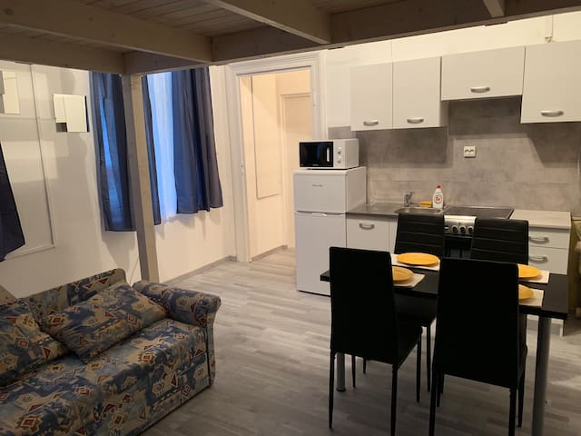 Apartment for 4 near the Keleti station