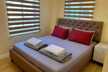 Elyu's Cozy Place/ Modern room good for 2pax 1flor
