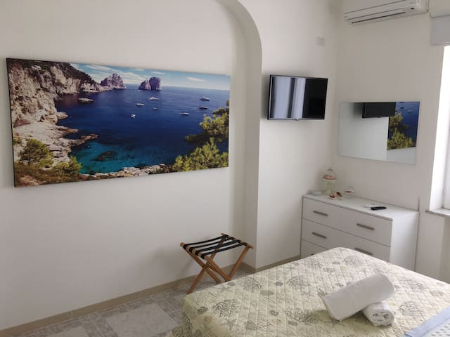 CAPRI ROOM - Piano di Sorrento  - Huis