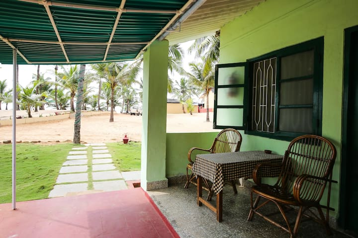 C ROQUE RESORT  basic room - Colva Goa