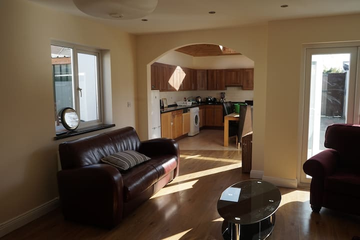 Private Room 3km from City Centre
