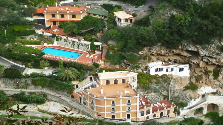 TULIPANO Ravello - Amalfi Coast