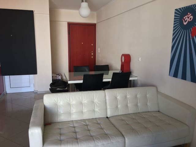 Flat with all modern conveniences - Pireas - Huoneisto