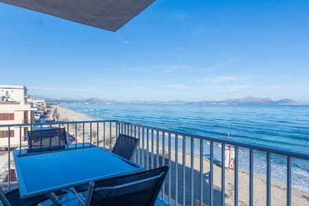 Single room in the appartment Seafront - Can Picafort - 公寓