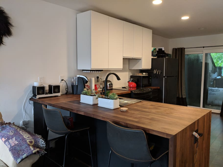 convenient eat-in area right in the kitchen