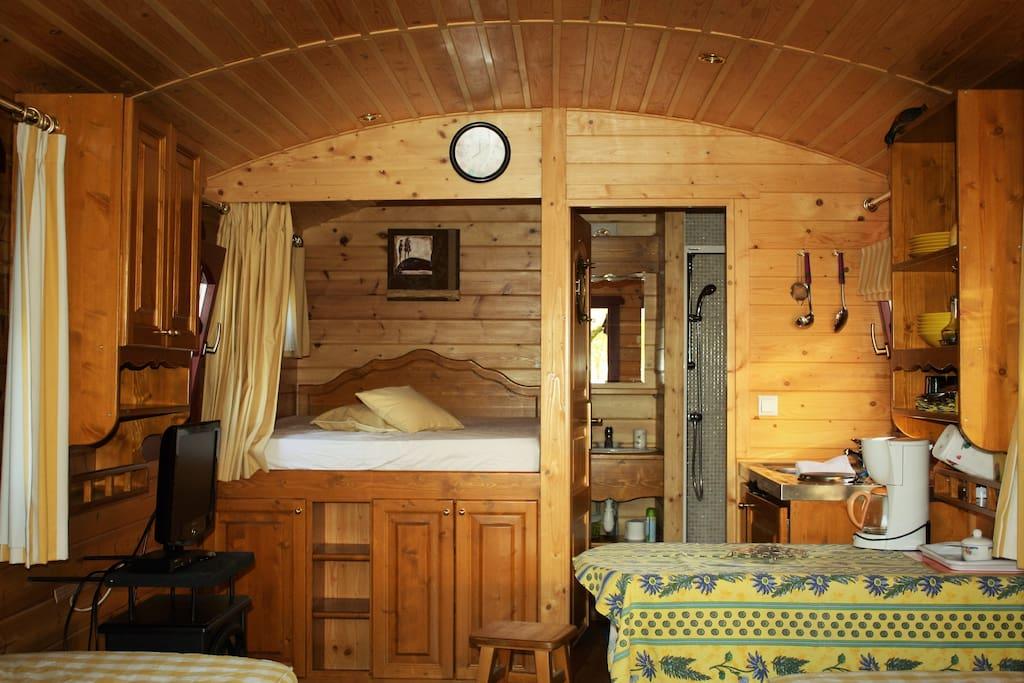 Son lit douillet en alcôve pour deux personnes