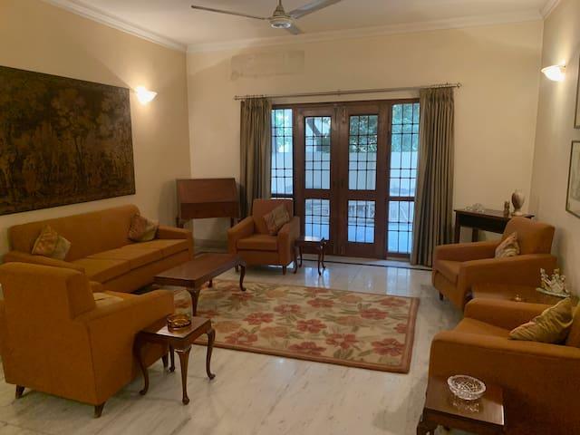 NOIDA Sec 15A Safe Premium Room near New Delhi