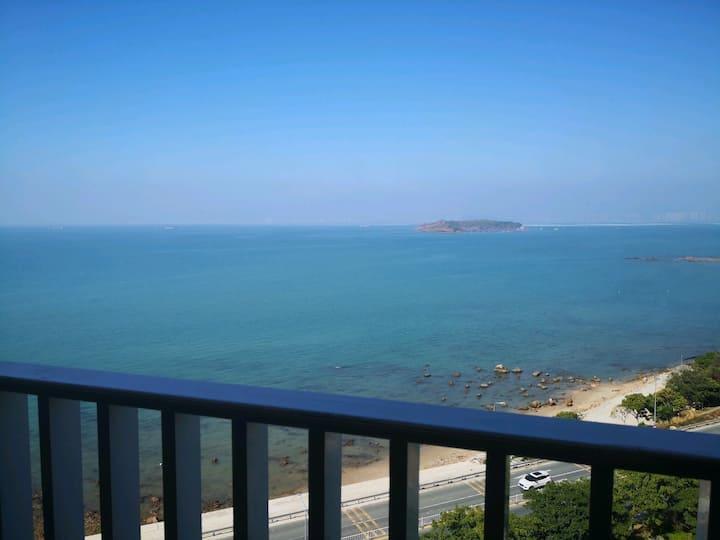 紧邻红树林海滩,时尚舒适海景两房,北海之行入住首选!