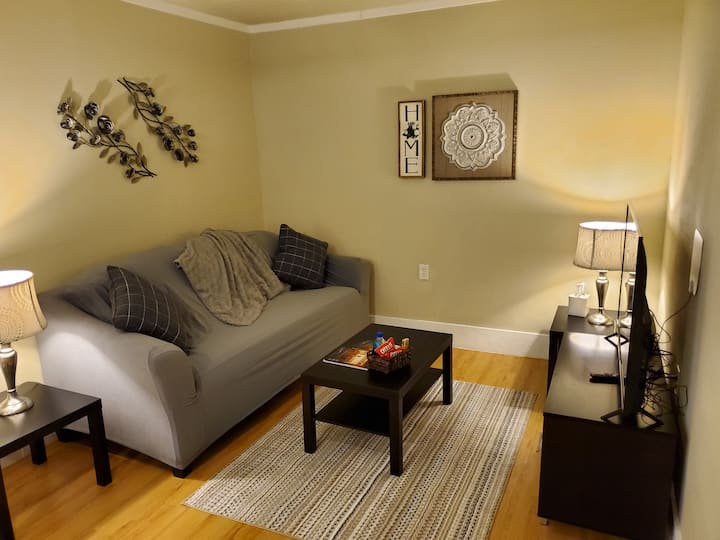 Little Oasis New Unit with 1 BR 1 BA Washer/Dryer