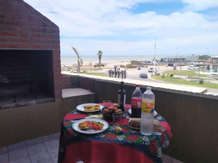 Av. Bunge y el mar -Duplex 4 personas cochera wifi