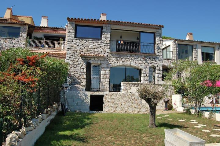 Luxury Apartment near Sea in La Turbie