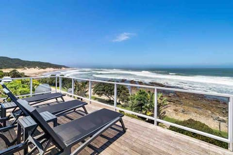 """'""""The Cottage'' Morgan Bay with breathtaking views"""