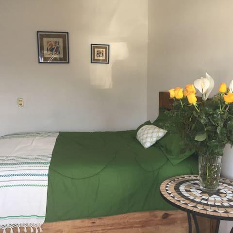 Departamento cómodo  céntrico - Cholula de Rivadabia - บ้าน