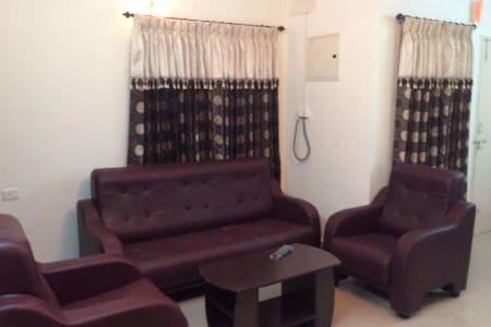 Cozy 3-Bedroom Apt in Kottayam Town - Kottayam - Lejlighed