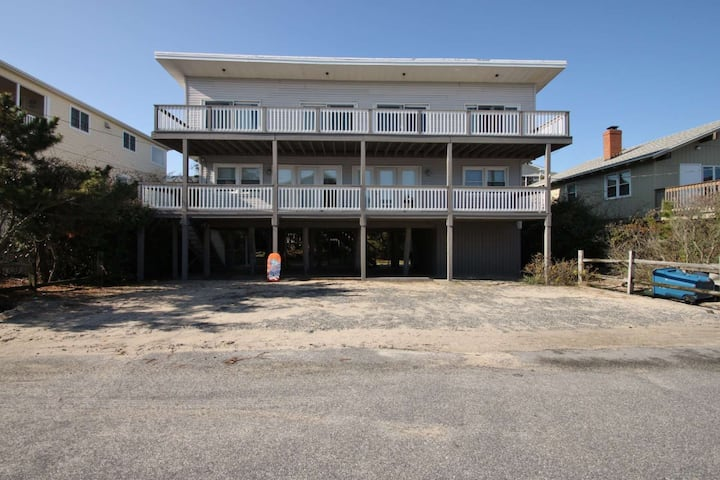 2nd House to the Ocean, Great Decks Sleeps 12-14 w/Free Golf, Paddle Sports, Water Park and More!