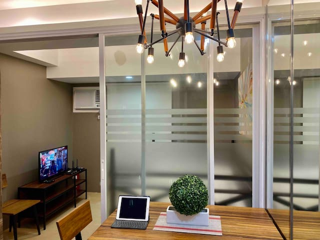 Simple but elegant Junior 1BR Centrio Unit
