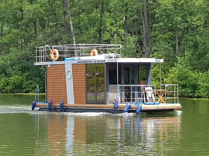 Domek nad jeziorem, Houseboat, Mazury