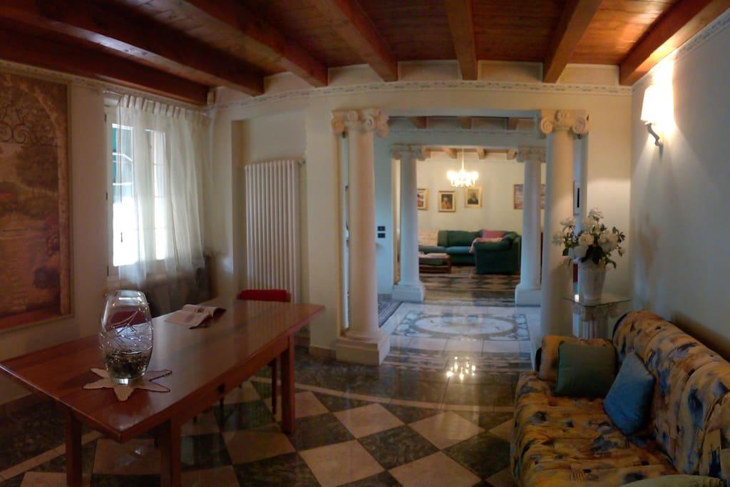 Atrio Villa Mari