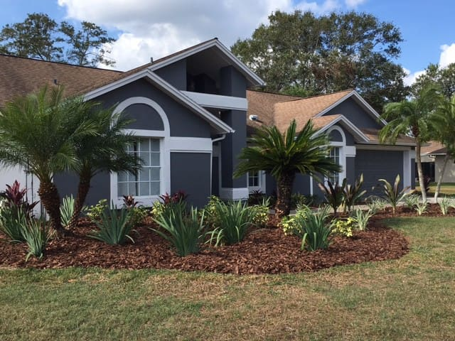 QUIET ROOMS AVAILABLE IN BEAUTIFUL POOL HOME - Valrico - House