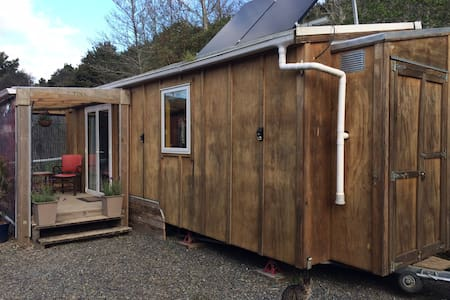 WAIMATE NORTH'S SWEETEST TINY HOUSE