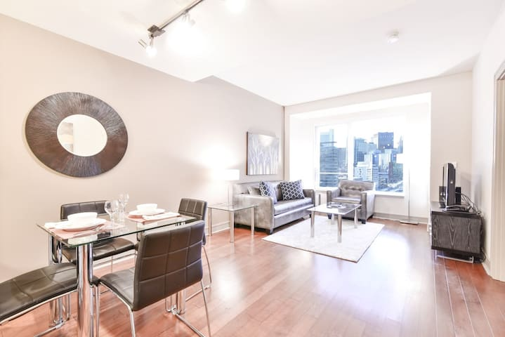 Magnificent Medical 1BR Apt Seaport With Pool&Gym!