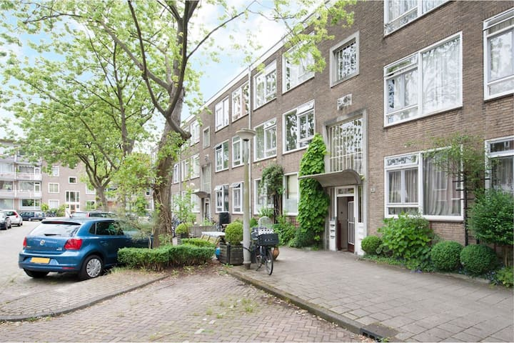 Light and cosy appartment in Amsterdam East!