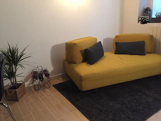 Amazing cozy apart in the heart of Milan-brand new