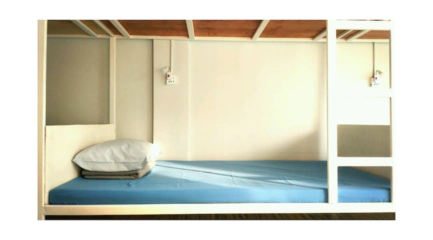 Hi Friends Hostel —10 beds dorm - Bangkok - Dorm