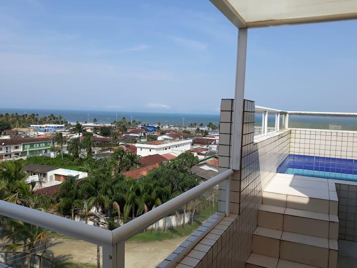 Cobertura duplex frente ao mar, piscina e churrasq
