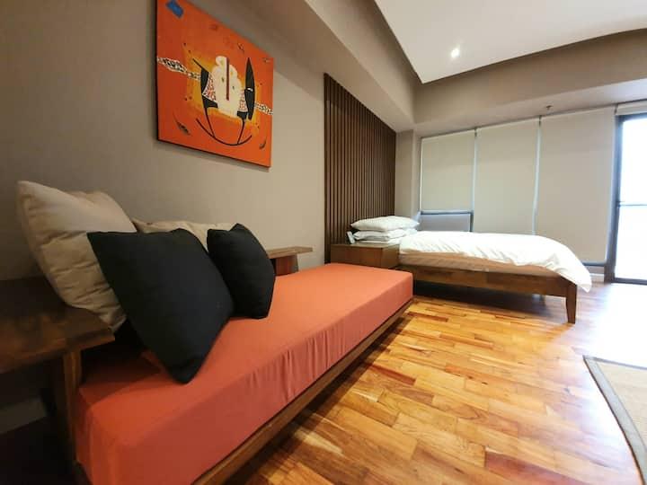 Charming studio in Greenbelt Makati