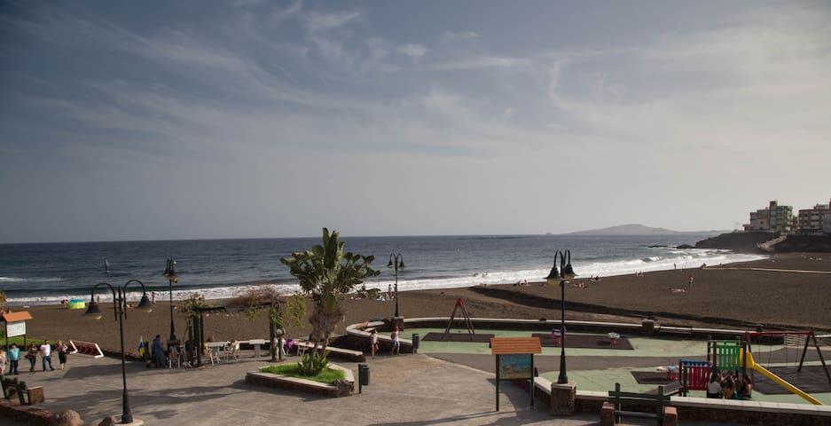A la orilla de la playa - Taliarte - Appartement