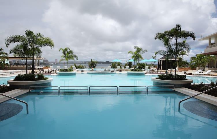 Lotte Hotel Guam - Premier Suite Ocean Front