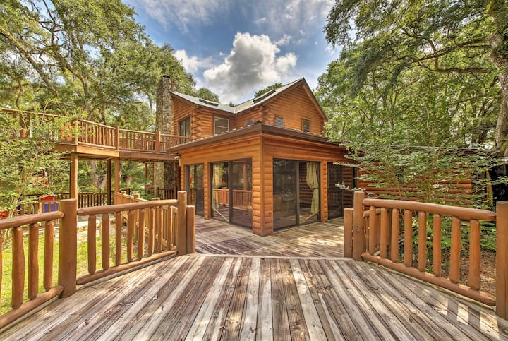 Quiet Inverness Log Cabin w/ Furnished Deck!