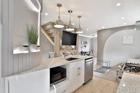 Evden Uzakta Modern 2 Yatak Odalı Ev!