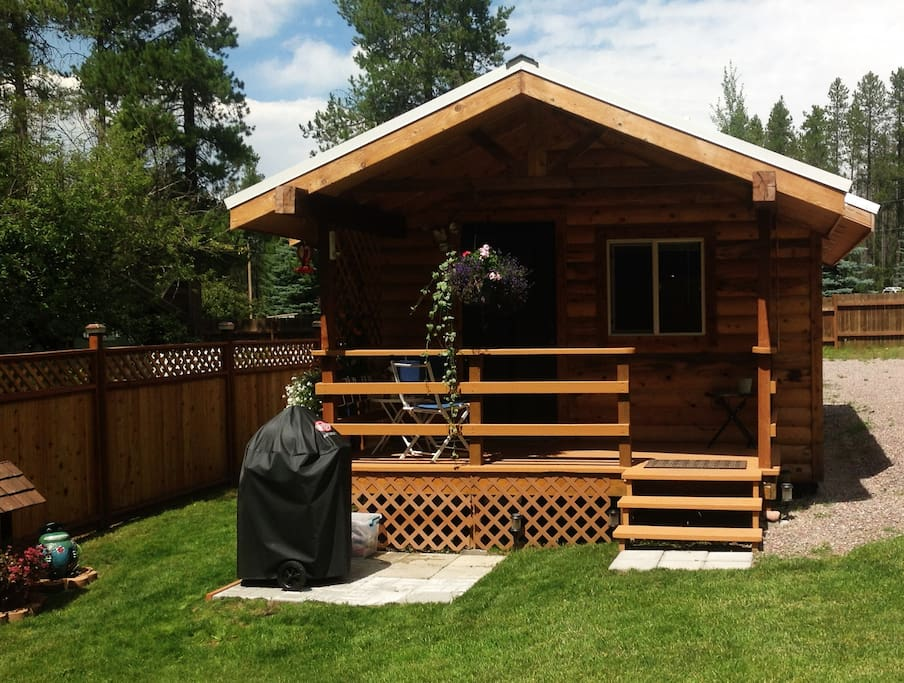 Just minutes from glacier national park cabins for rent for Glacier national park cabin rentals